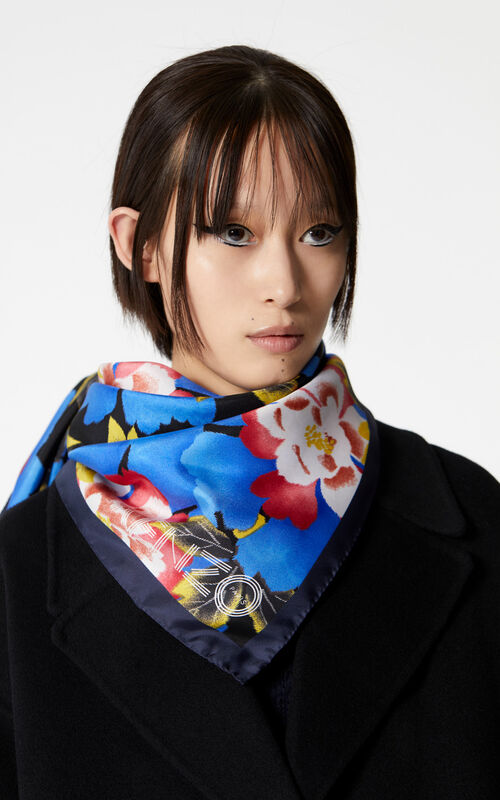 FRENCH BLUE Square 'Indonesian Flower' print silk scarf for women KENZO