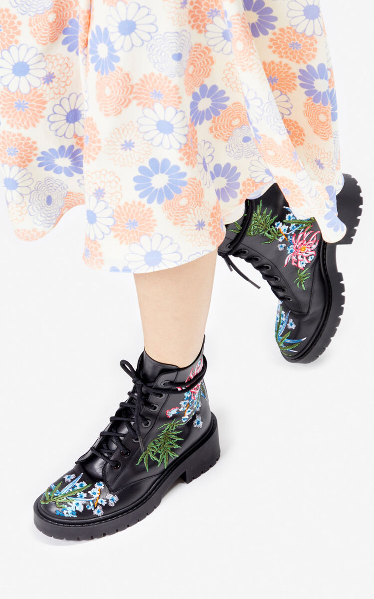 BLACK Sea Lily' Pike boots. for unisex KENZO