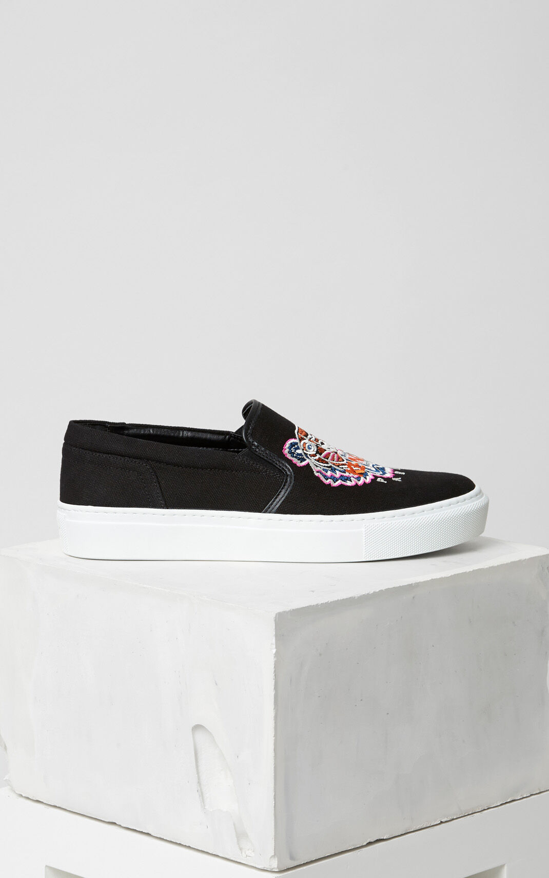 BLACK Tiger Slip-on for women KENZO