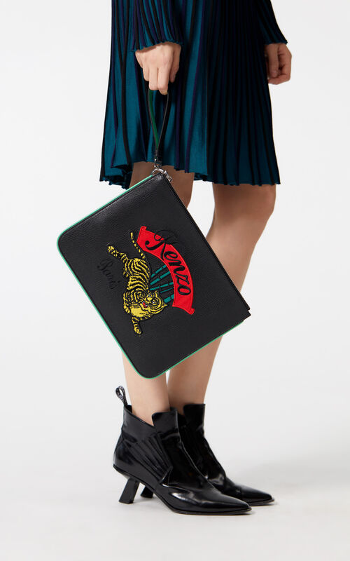 BLACK A4 'Jumping Tiger' clutch for women KENZO