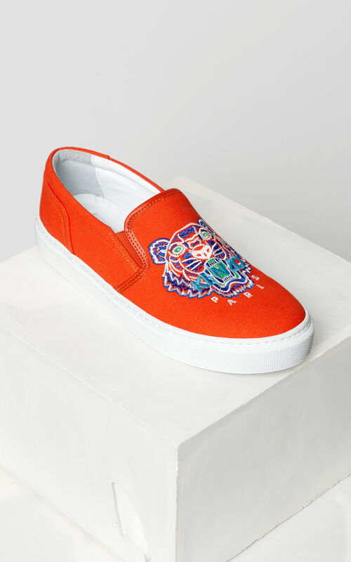 MEDIUM RED Tiger slip-on for unisex KENZO